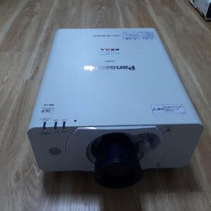 Máy chiếu Hội Trường Panasonic PT-DW530 đã chiếu 621 giờ